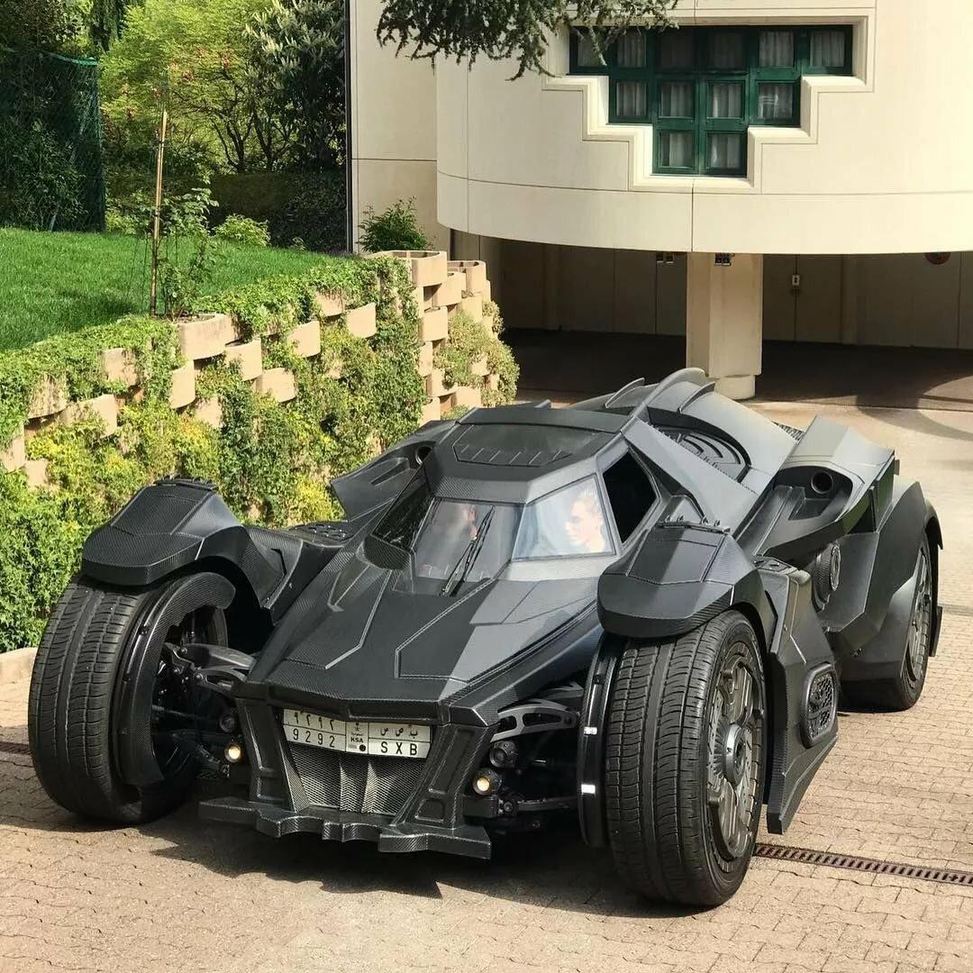 фото машины бэтмена мне