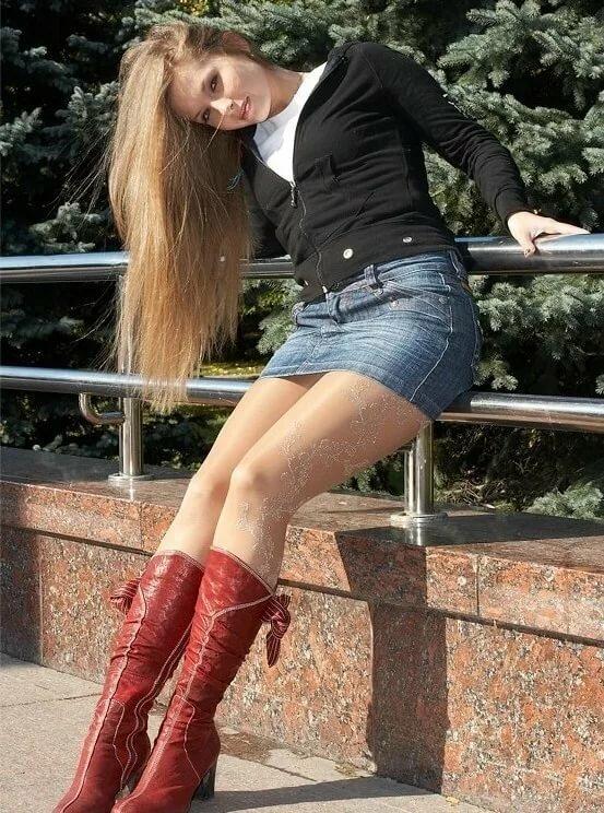 девушки в мини юбках и сапогах фотки женщина