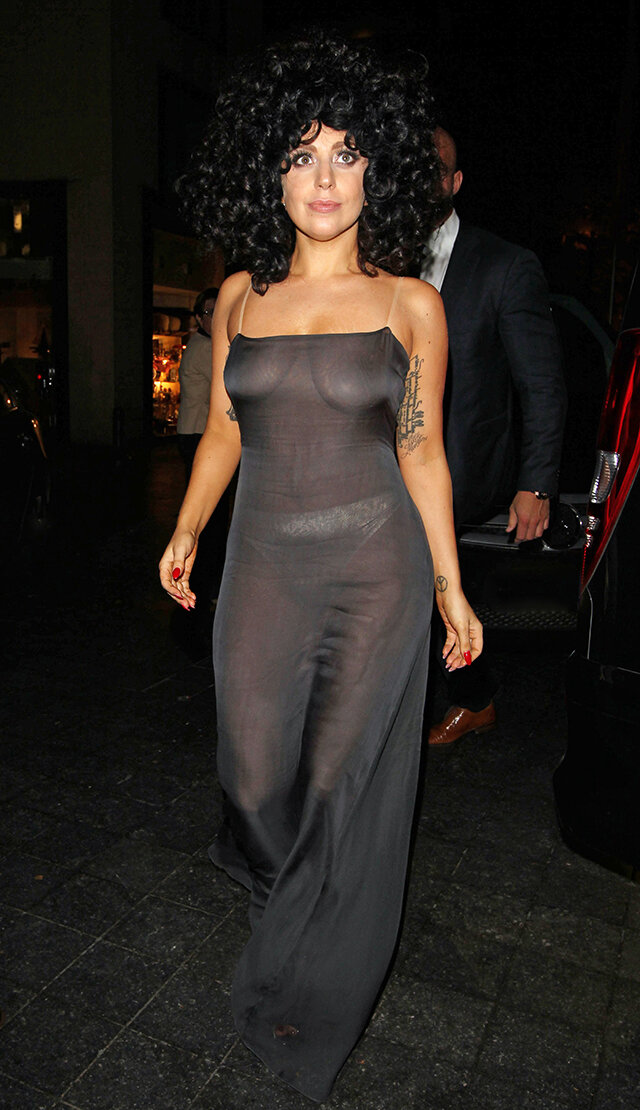 Прозрачное платья на женщин без лифчиков — pic 14