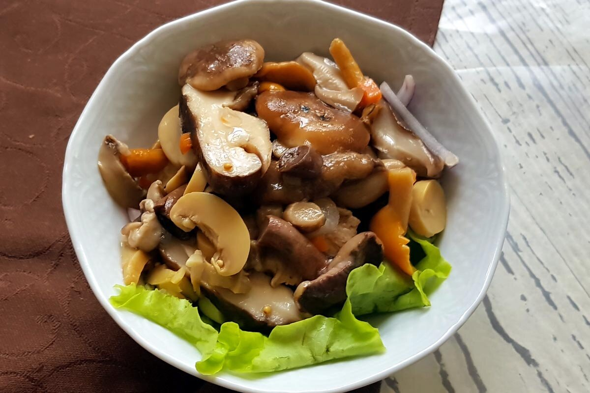Маринованные грибы картинка