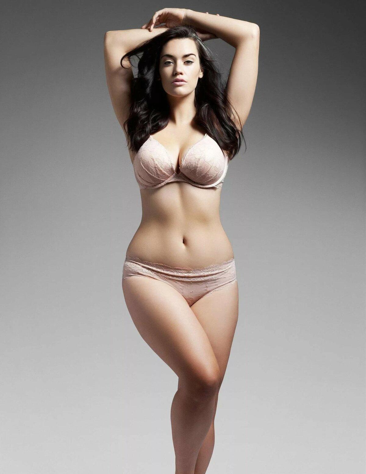 Женщины с пышной фигурой фото видео, порно жирная трахнула страпоном мужика