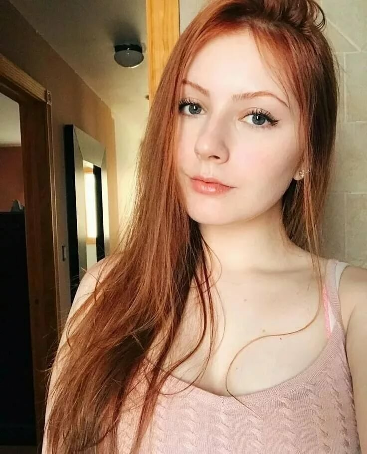 Young nude ginger girl