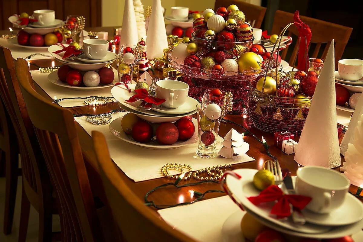 картинки новогоднего домашнего стола с едой плотоядных тоже