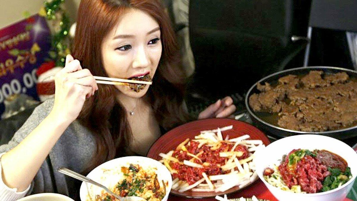 Сперма в еду японке вместо приправ в столовой #1