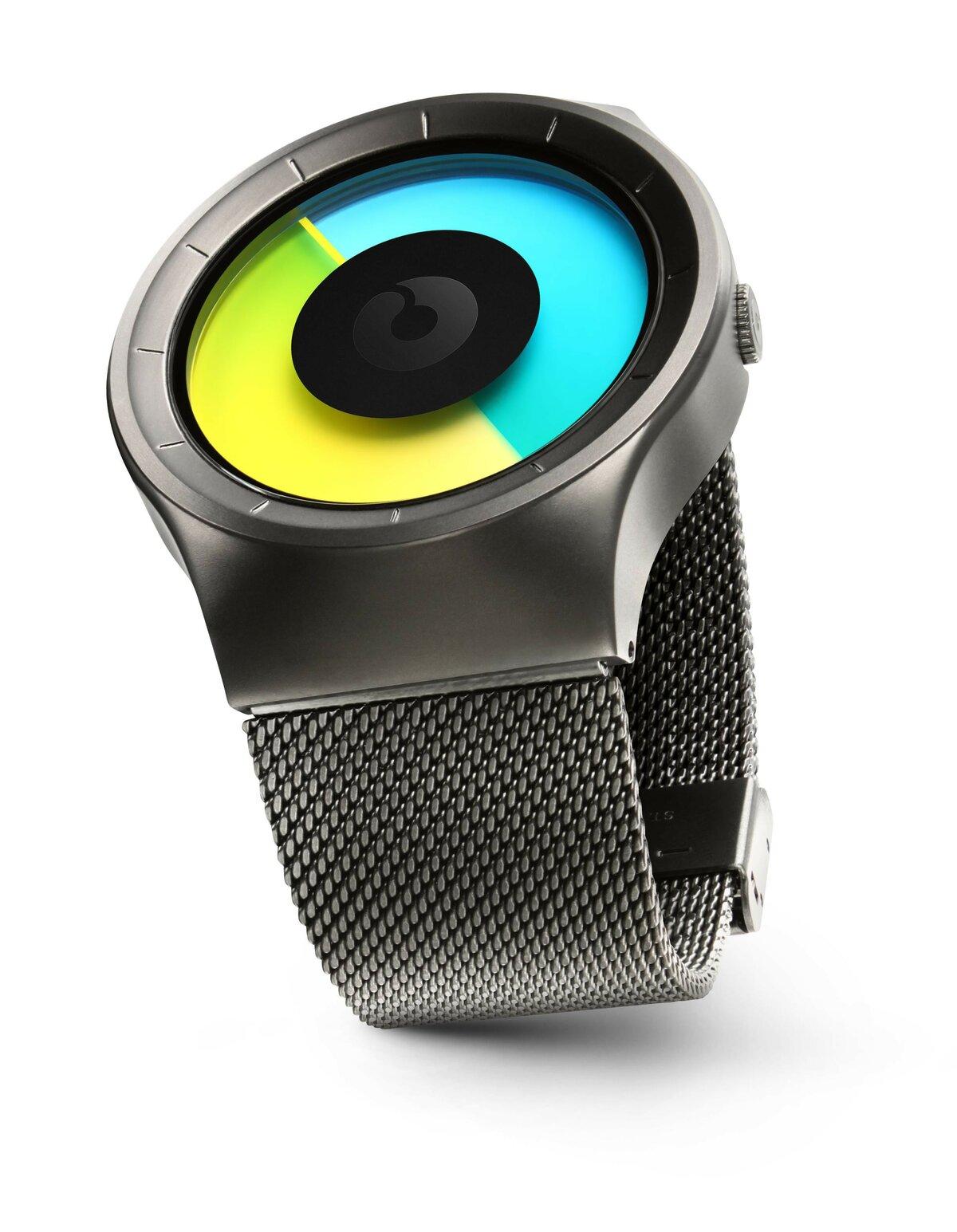 Футуристические часы Geekthink M01 в Октябрьске