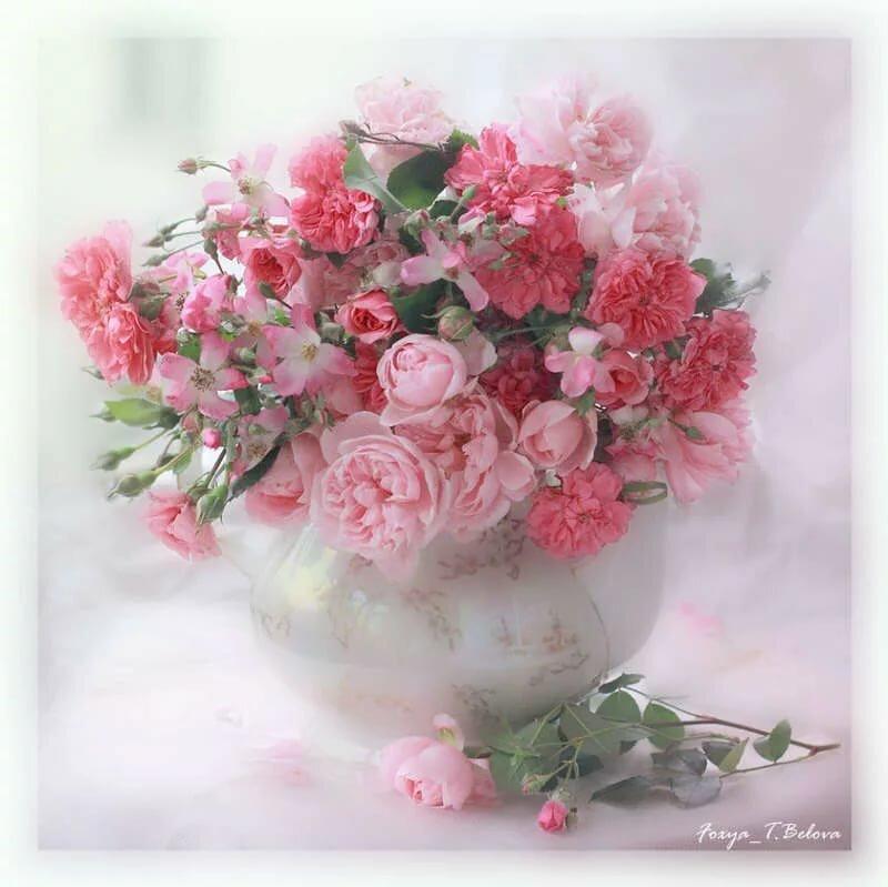 Нежные открытки с цветами в день рождения