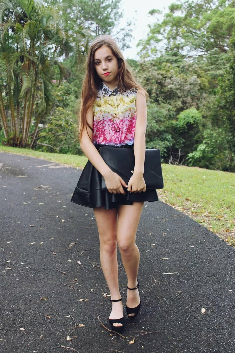 Teens mini skirt