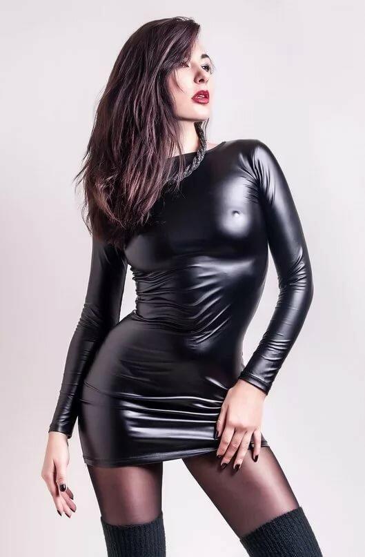 Фото девушки девушки в латексе кожа порно