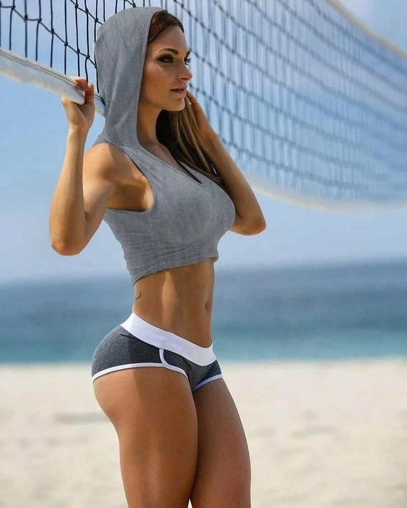 topless-fitness-babe-mariah-carey-vibrator