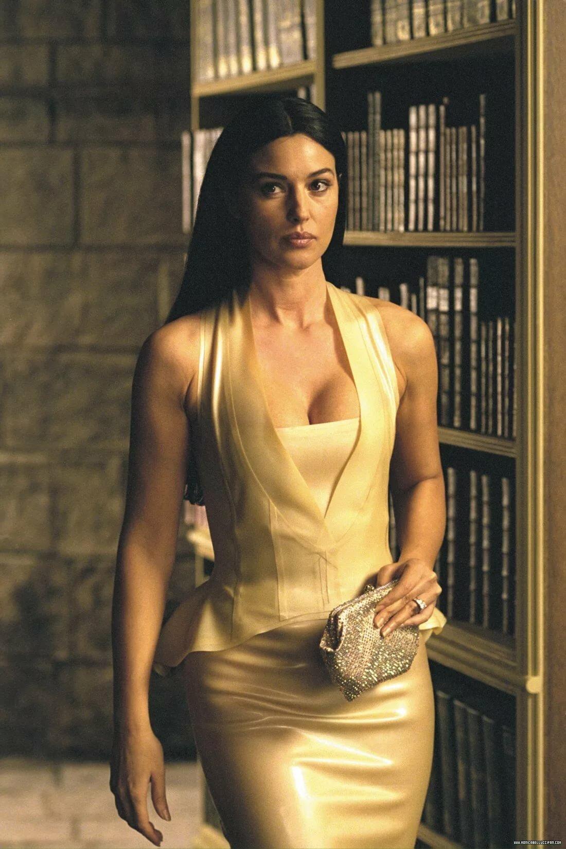 italian-sexy-actresses-kafe-hardcore-porn