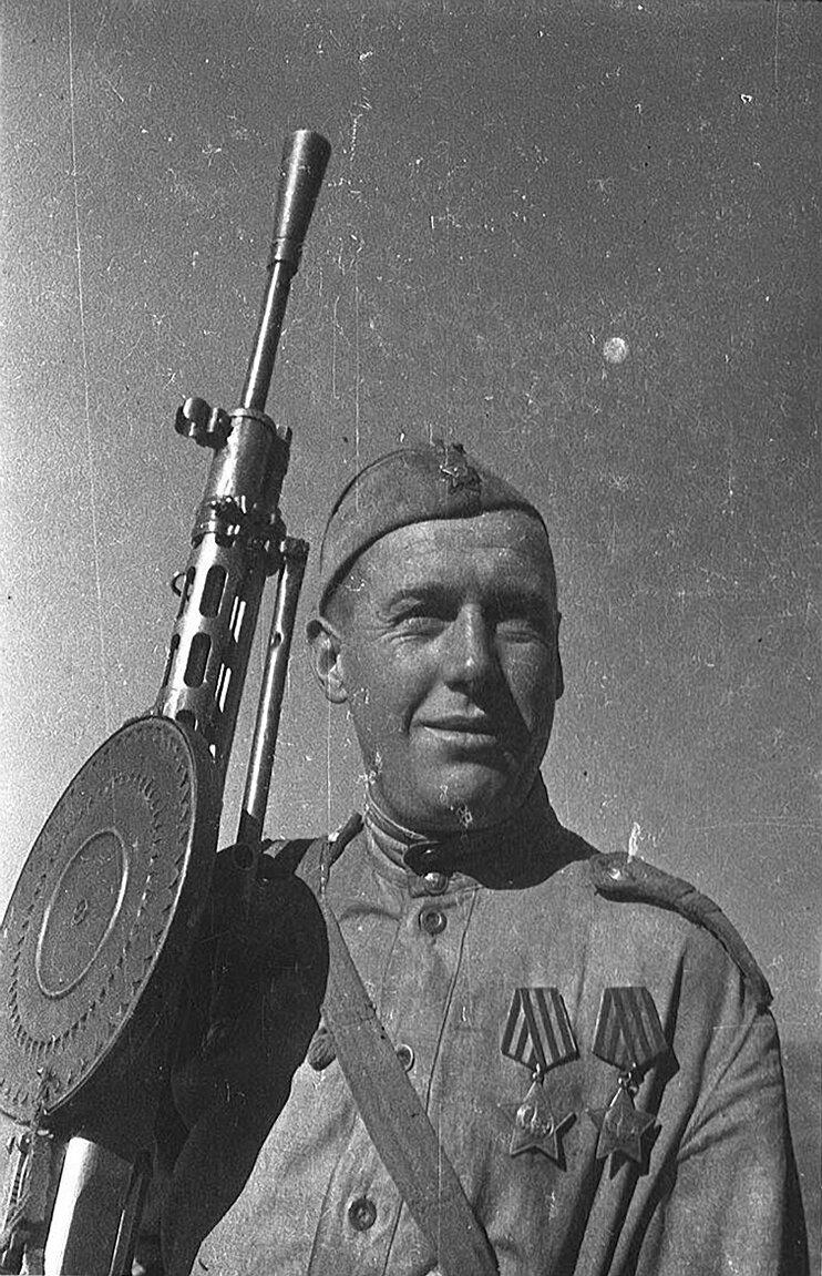 Картинки военного солдата вов, лет годовщина открытка