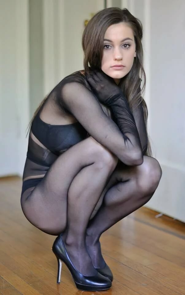 women-in-pantyhose-users