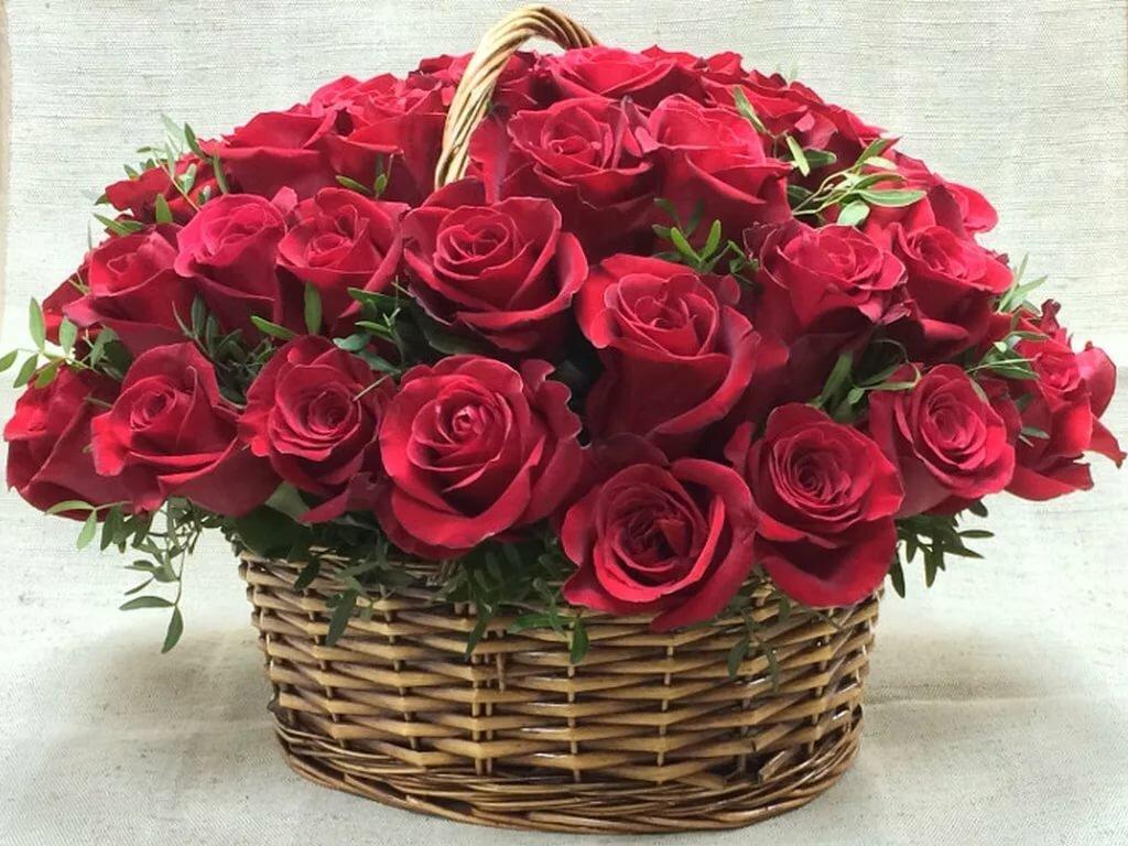 шикарнейший букет роз открытка корпусная