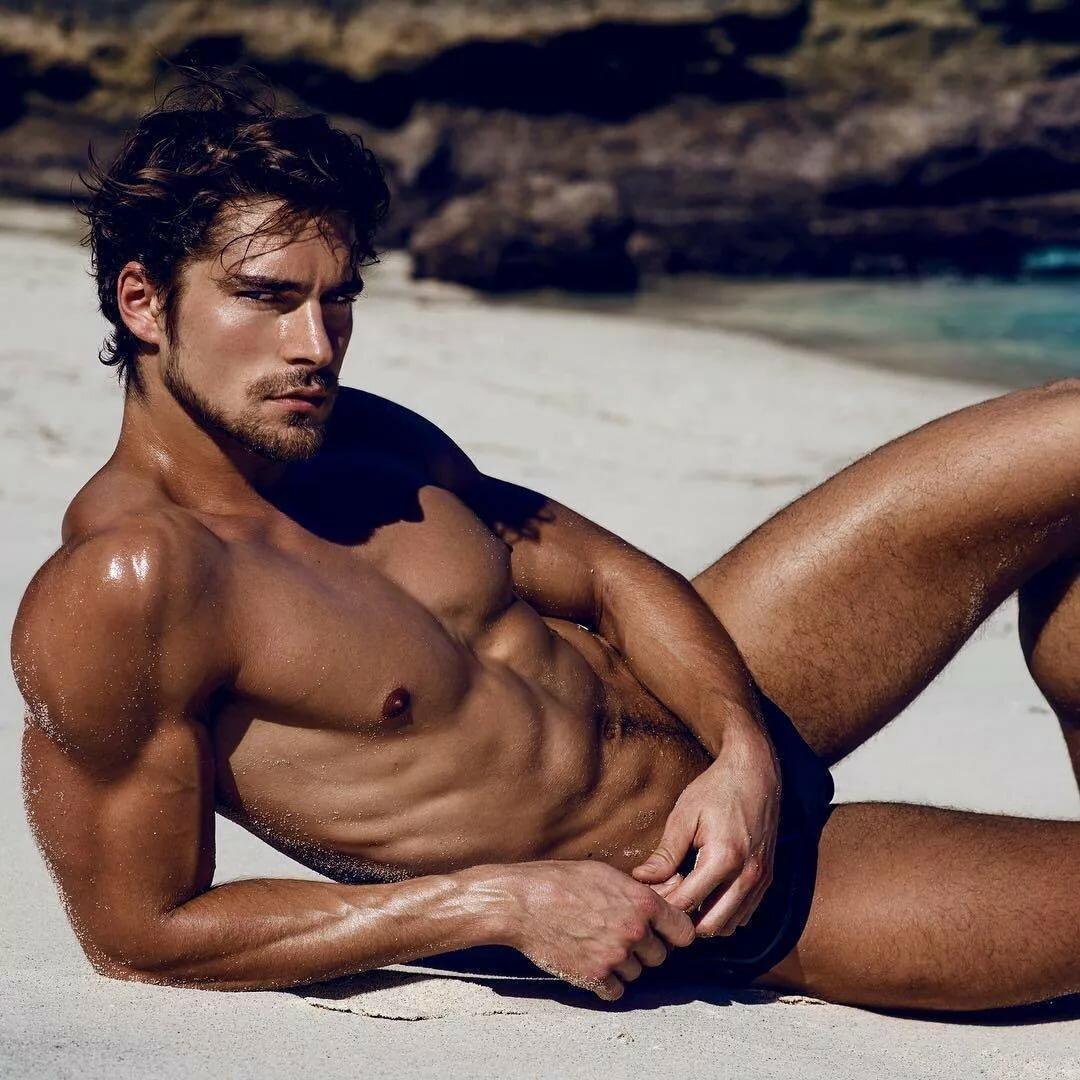 Hot body men nude