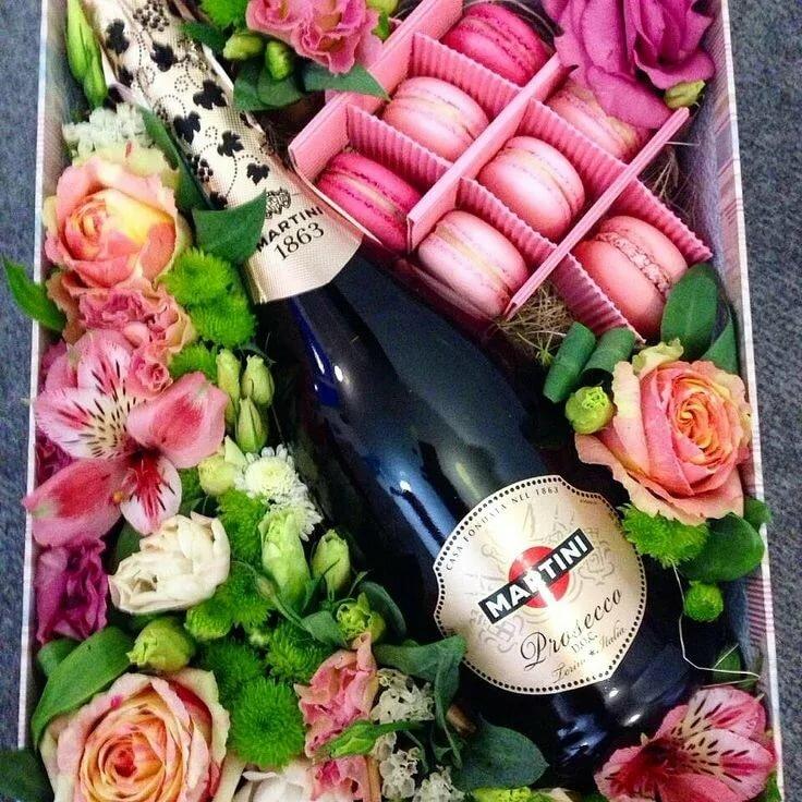 Картинки с днем рождения цветы и шампанское, гифы прикольные