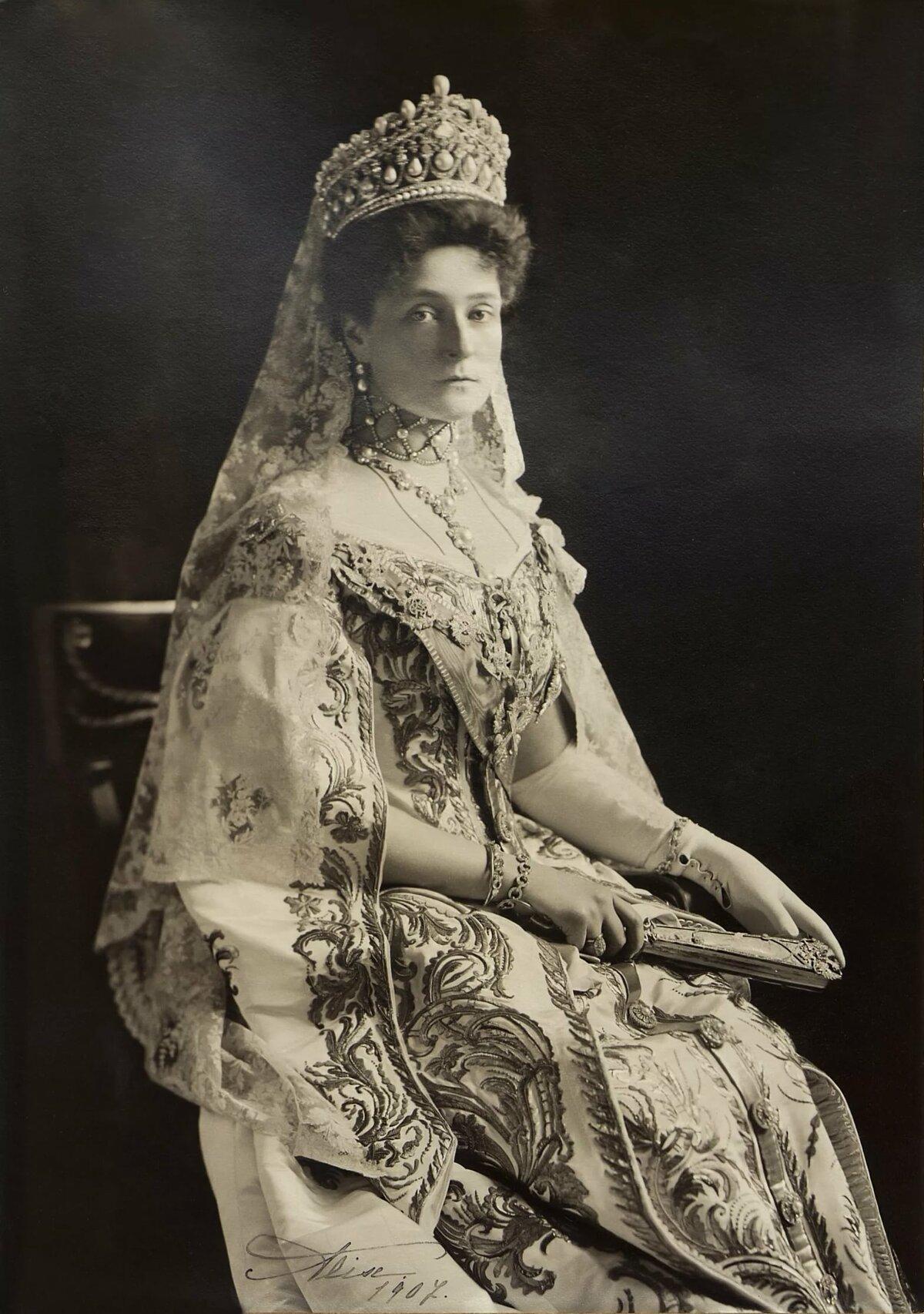 несколько фото русских императриц том, что нередко
