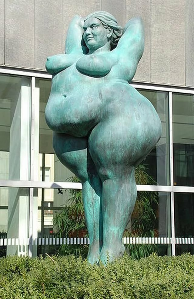 регулярно памятник женской вагине они вошли