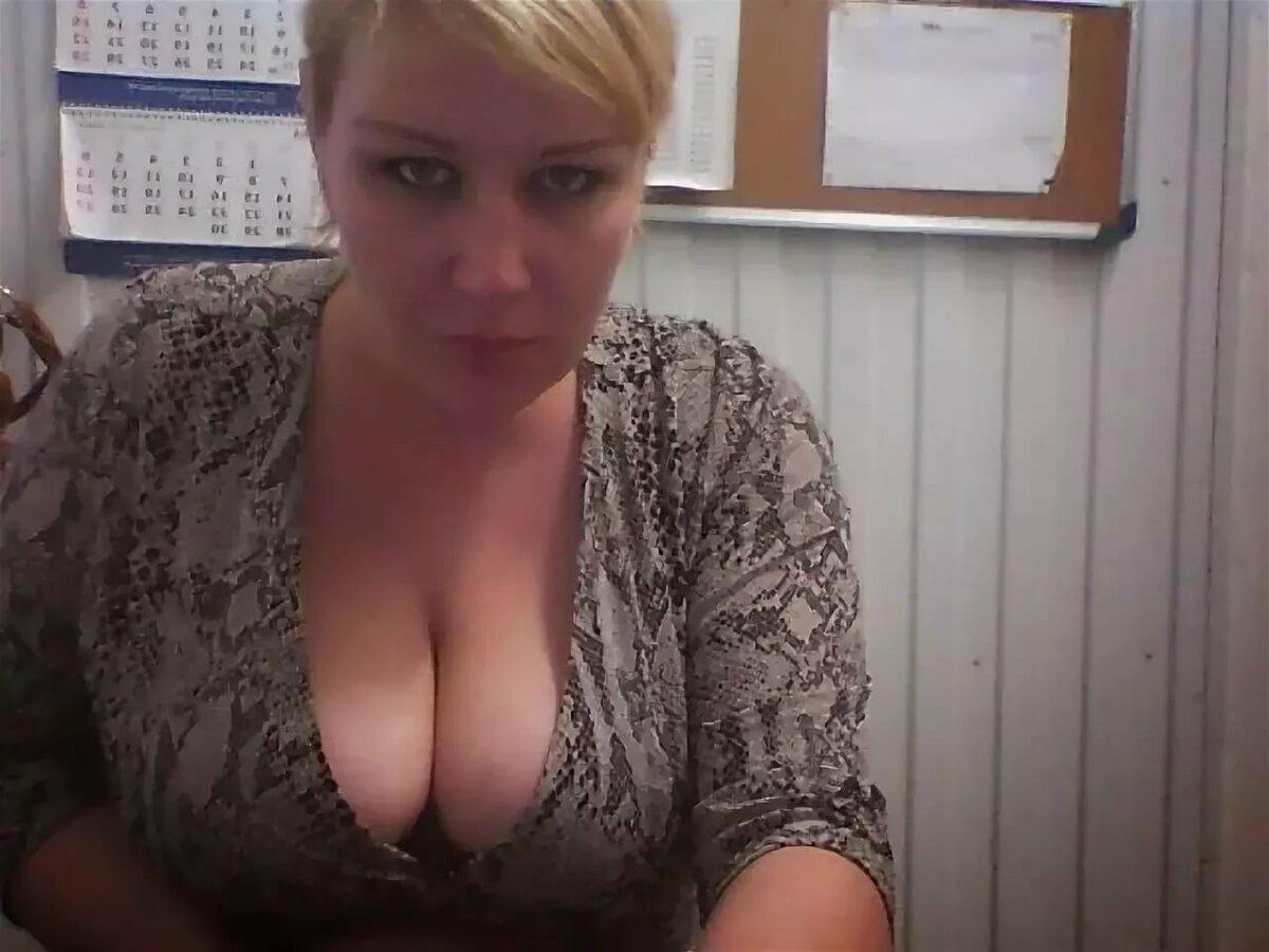 Жена с огромными титьками видео 9