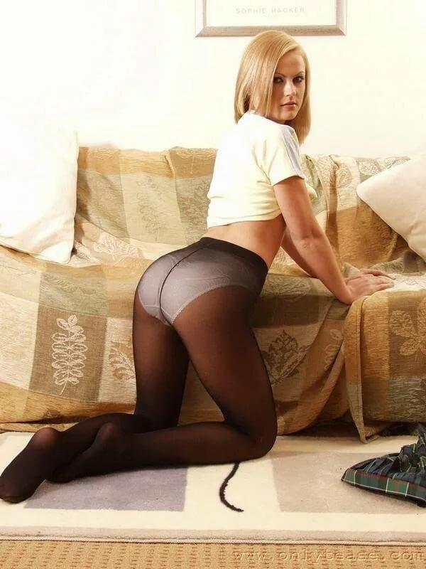 фото русская девушек в черных колготках черных трусиках это часть