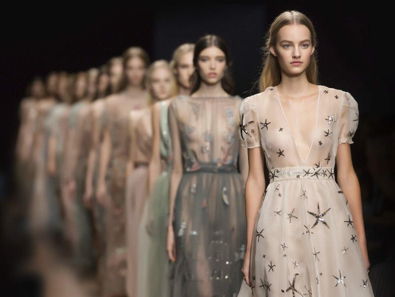 Картинка с моделированием платья