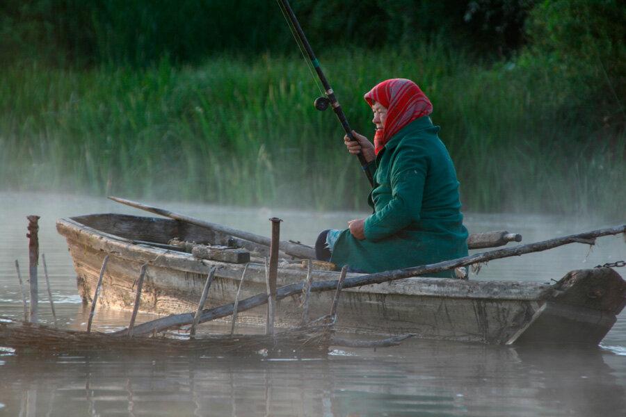 Прикольные, смешные картинки про рыбалку с женщинами