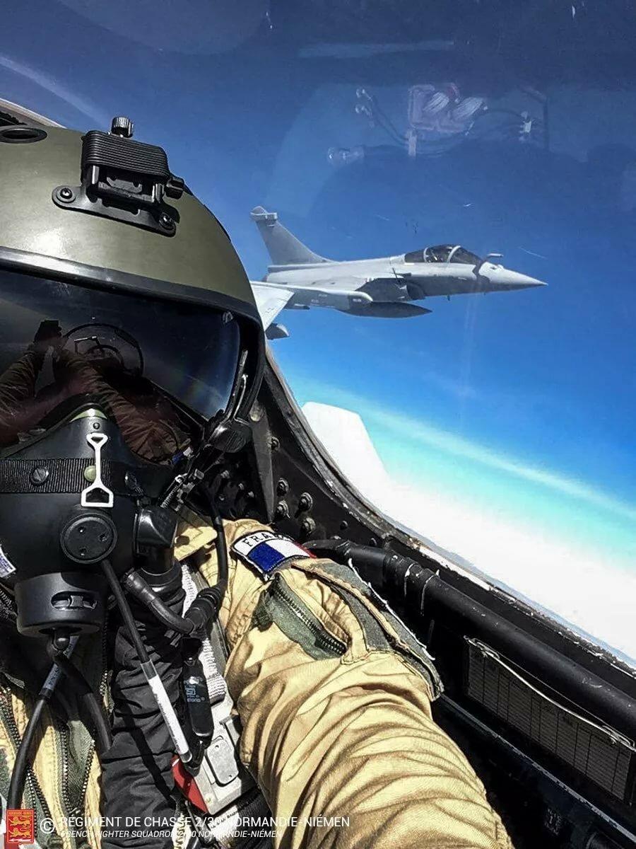 Картинки пилот в истребителей