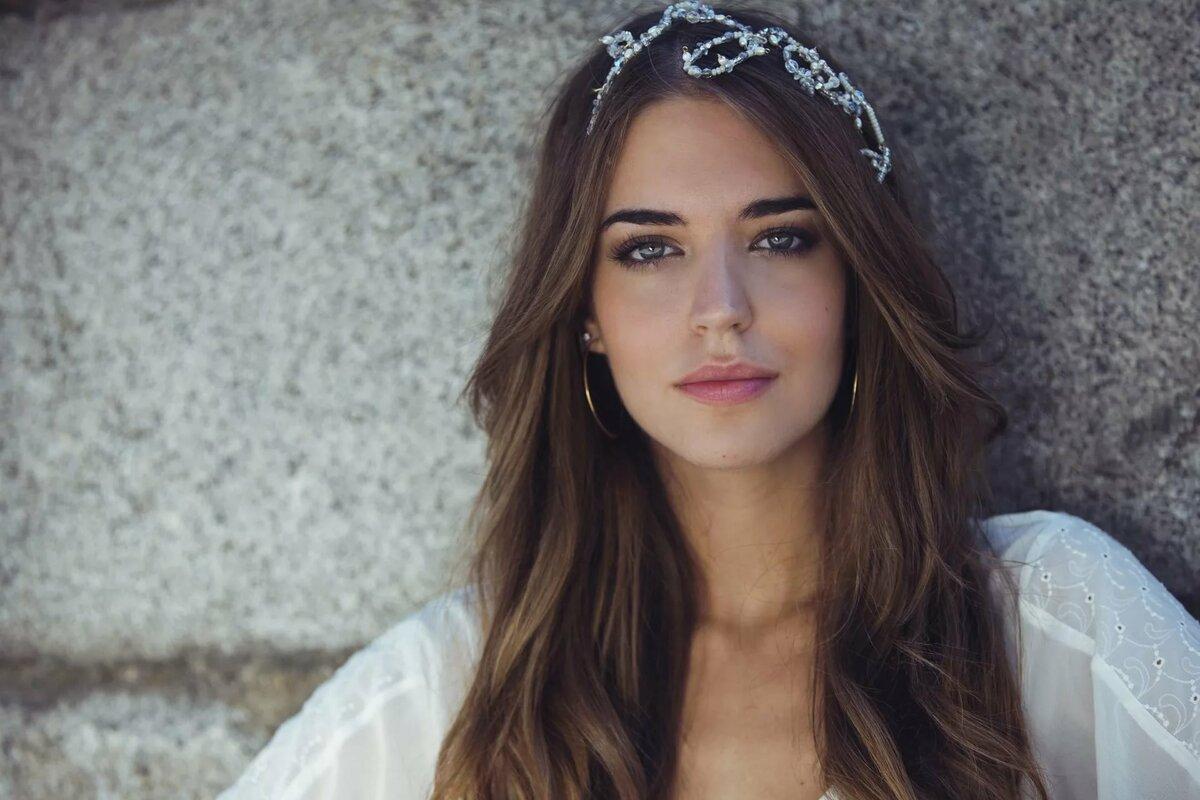 короткие волосы самые красивые испанки фото они как обычная