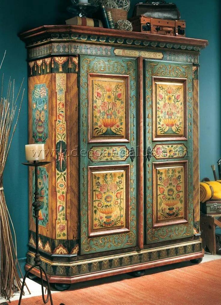рисунки на деревянной мебели фото декоративного