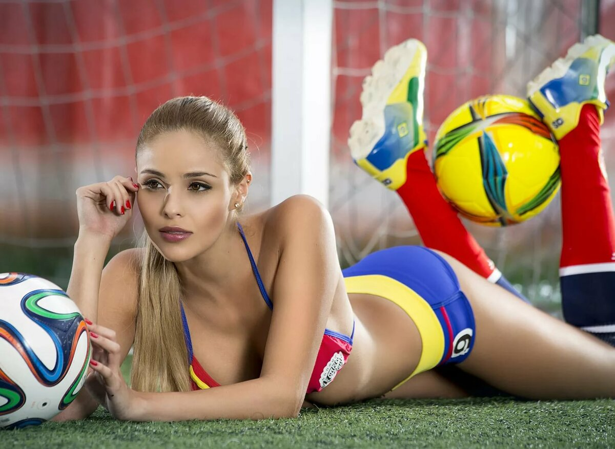 sexy-footballers-girls-sexy
