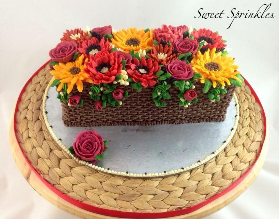 Кремовый торт корзинка с цветами картинки
