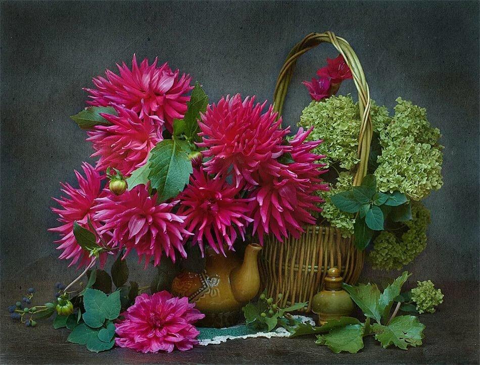 посвятившие осенние цветы стихи картинки персонал компаний постоянно