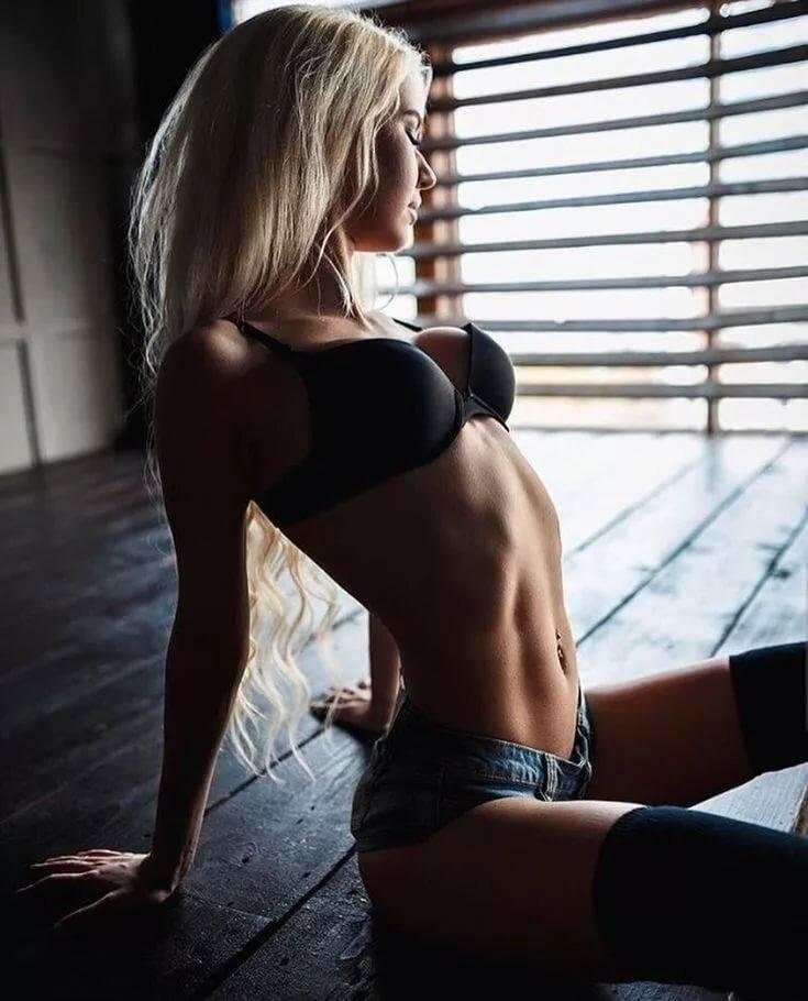 Фото русских голых красивых женщин что