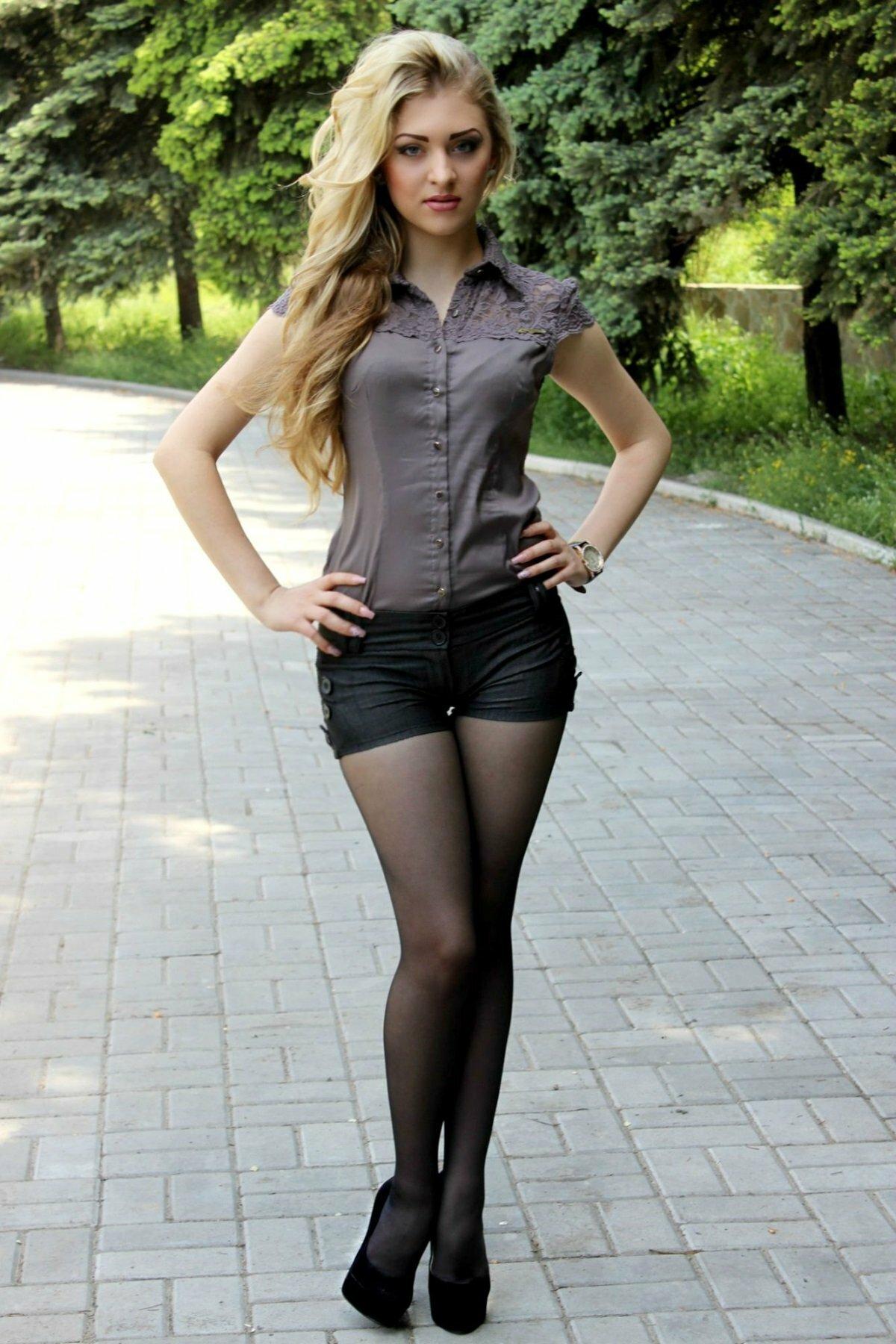 Пизды голых красивые русские студентки фото толстого