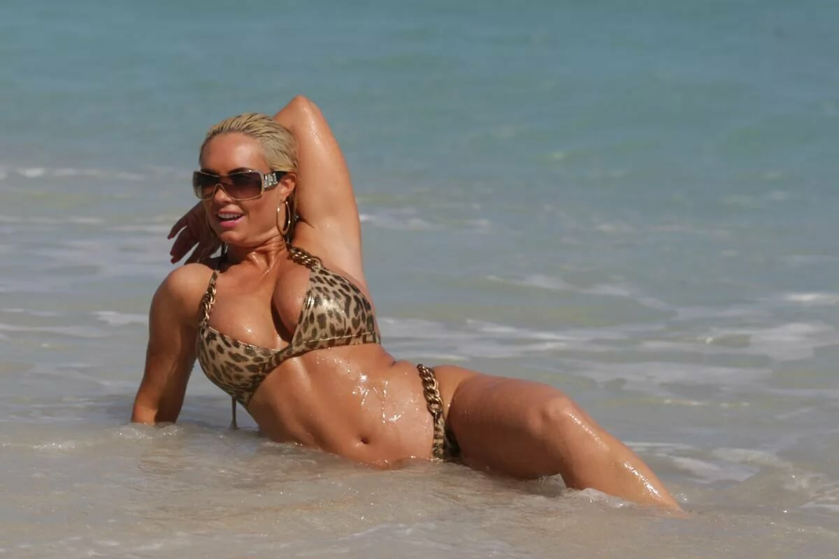 Coco austin photos nude, guys suck older virgin pussy