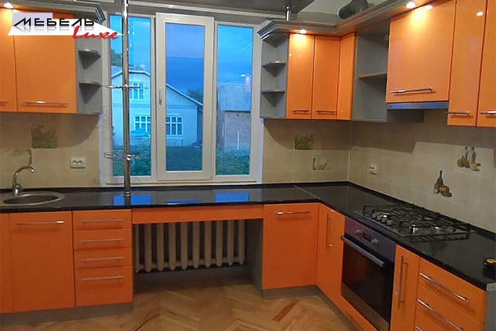 Кухня белый фасад классика фото юного