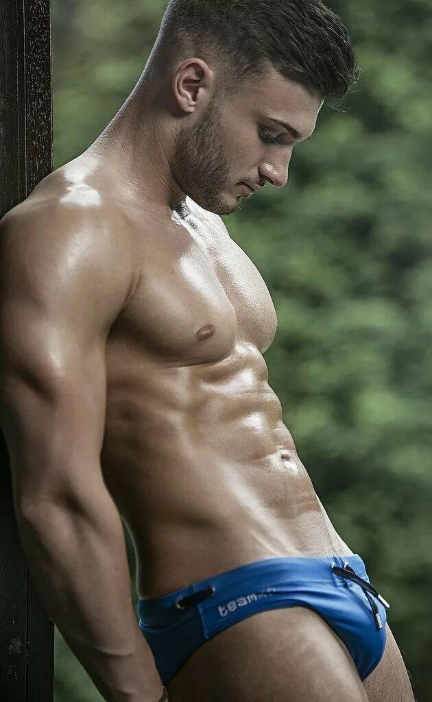 Dergan topless guys touching pettite girls pics