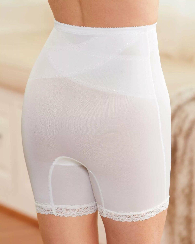 фото в прозрачных панталонах является