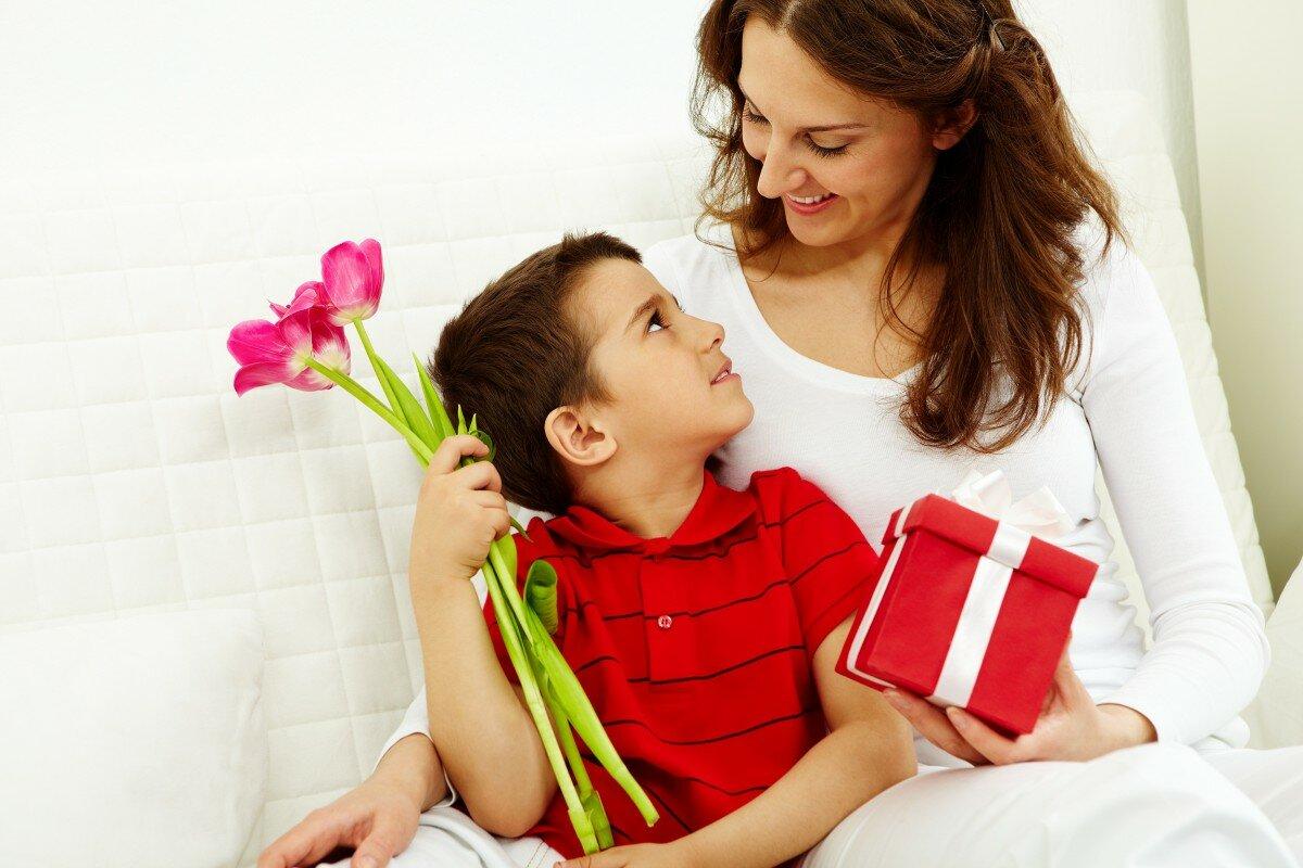 Картинки подарок для мамы, анимации днем