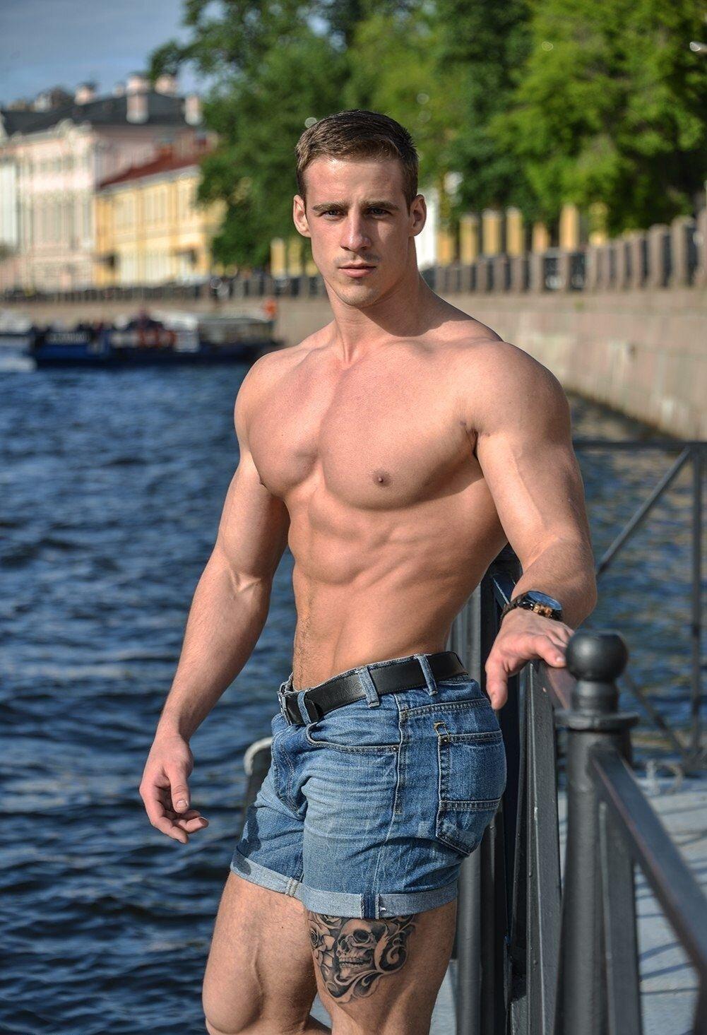 твоя чрезмерная красивые парни голые в джинсах фото промежность вся