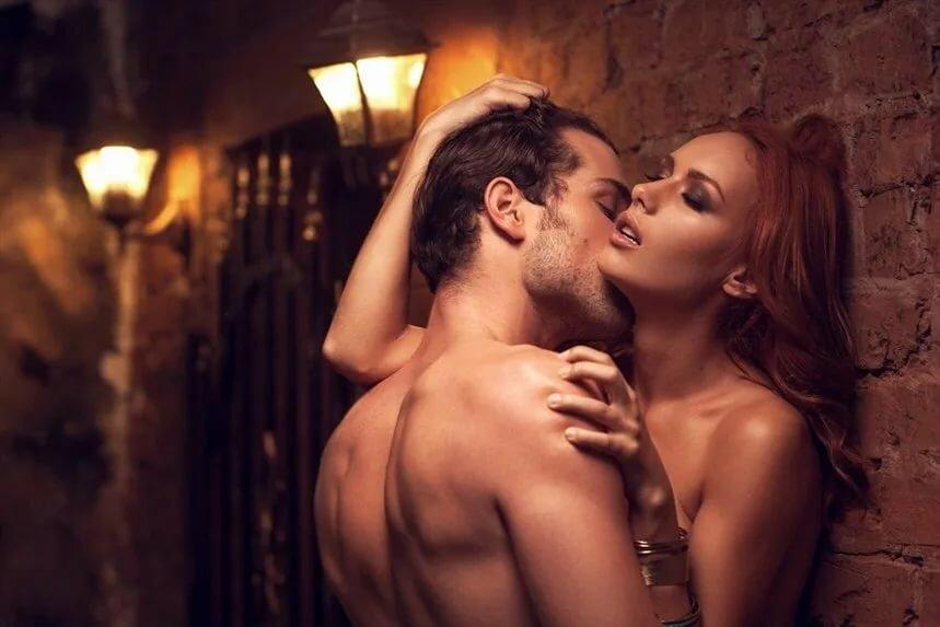 Сайт фото парень и девушка в экстазе фото подглядывания под