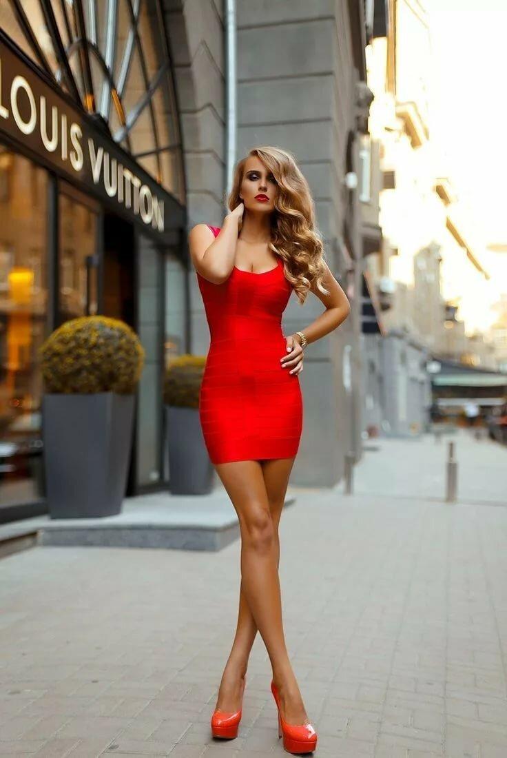 Девушки на каблуках в коротких платьях, кемерово лучшие шлюхи