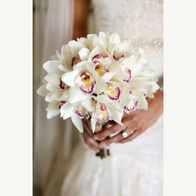 Каталог букет из орхидей для невесты, трех хризантем