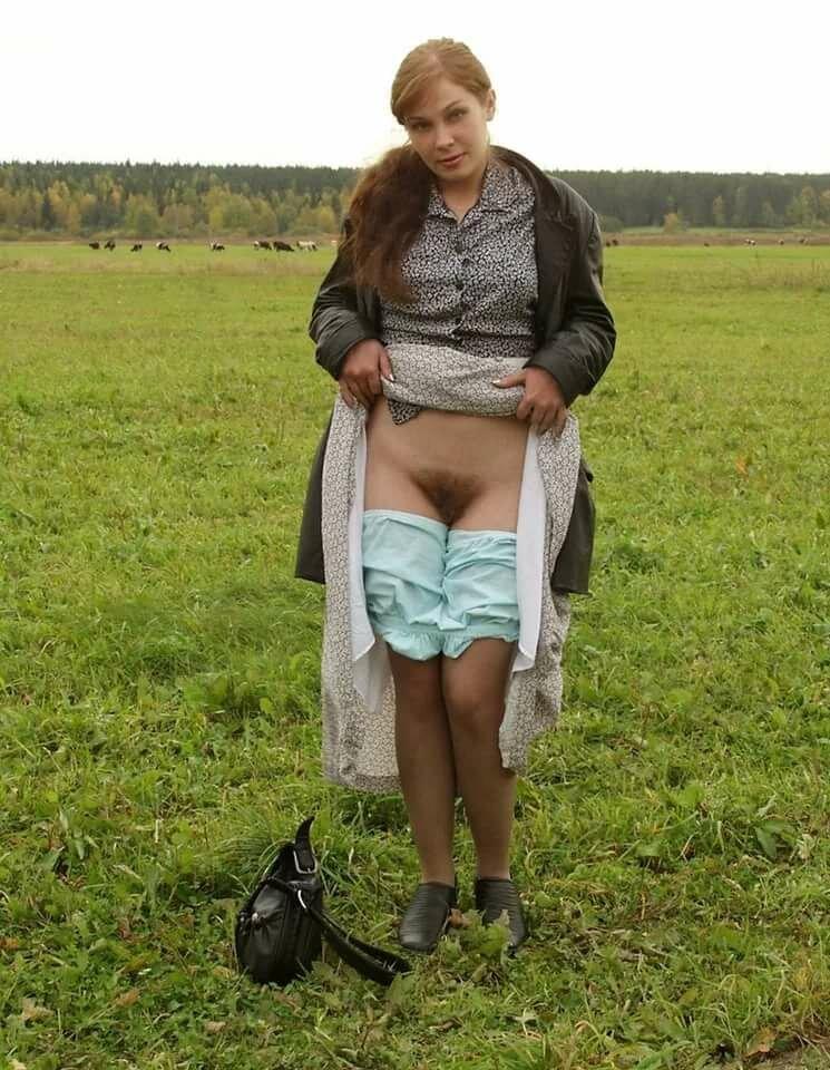 Фото деревенские бабы в трусах