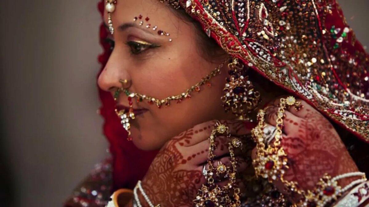 Клипы какие бывает индианки, секс в деревне от жены смотреть фотки