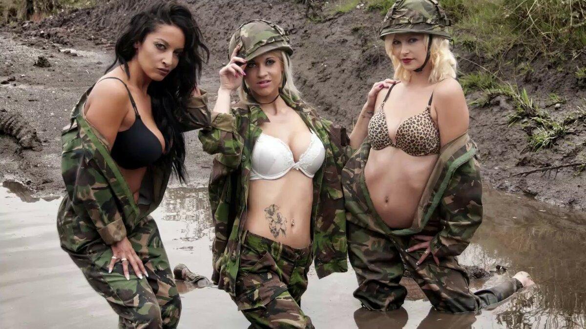 Мастурбация огромные натуральные сиськи а армейской форме лесбиянок