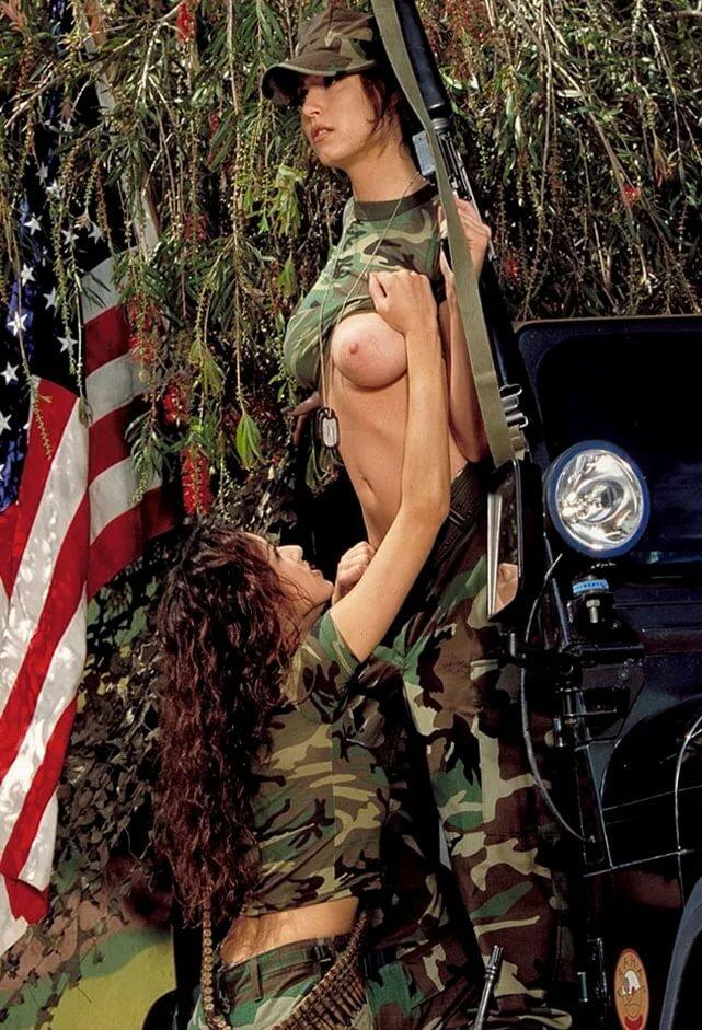 Голые военные красивые девушки 4
