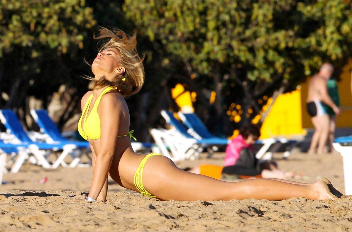 Assault tube auckland beach bikini pictures flash boobs