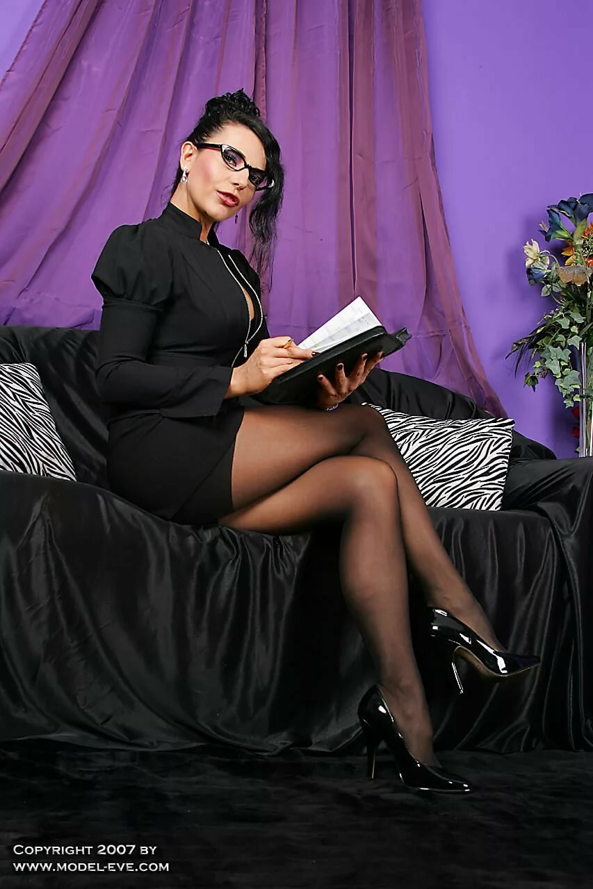 masudzu-porno-russkie-delovie-dami-v-ochkah-seks-roliki-novosibirske-novih-prostitutok