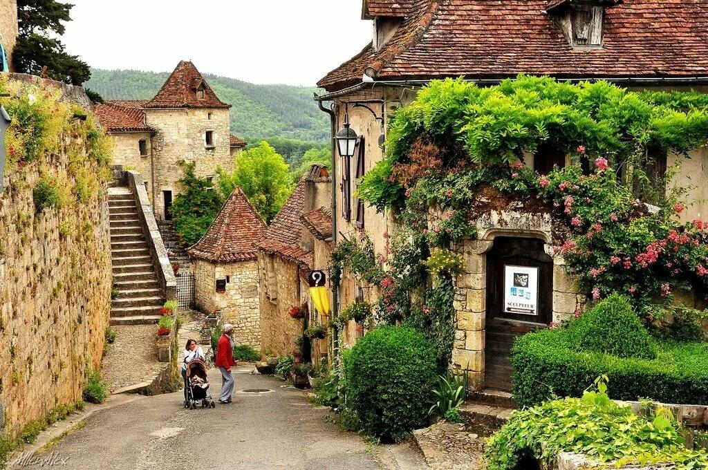 французские деревушки фото руках многих