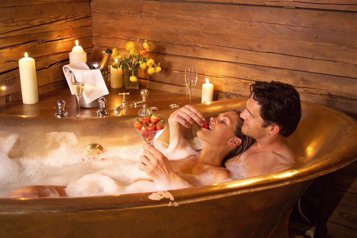 посмотреть толстушки ласкают друг друга ванны только